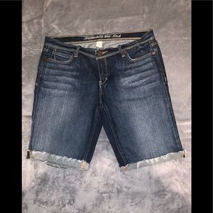 Abercrombie & Fitch shorts/ bought but never worn